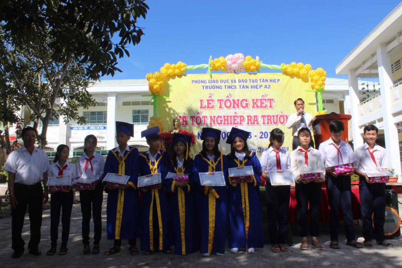 Lễ tổng kết, phát thưởng và tốt nghiệp ra trường năm học 2018-2019